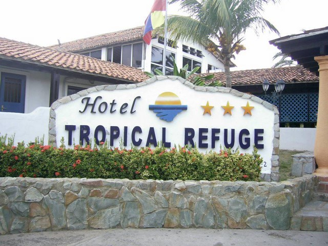HOTEL TROPICAL REFUGE